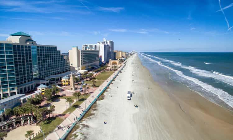 The beach and skyline at Daytona Beach