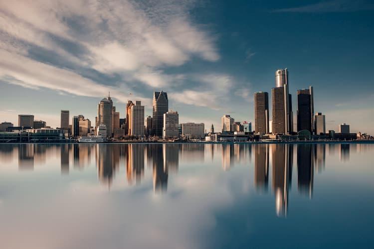 Buildings of Detroit skyline along river