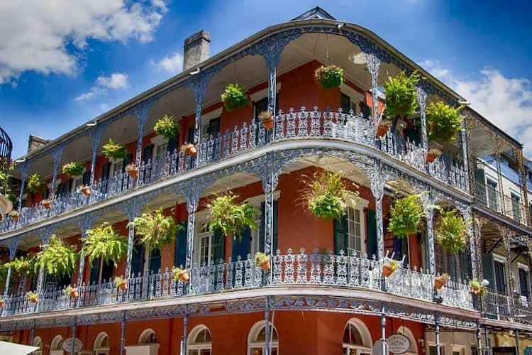 Building in the French Quarter with balconies