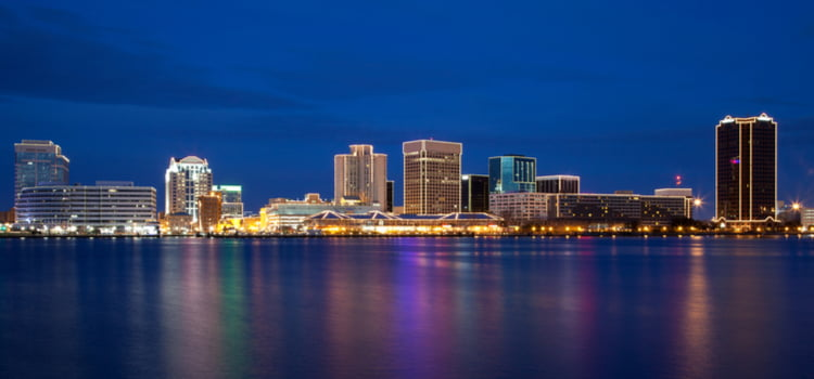 shofur charter bus norfolk virginia skyline image