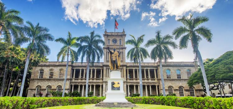 'Iolani Palace Shofur charter bus honolulu hawaii